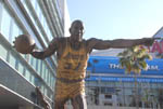 Staples Center: Magic Johnson's Statue, by QH
